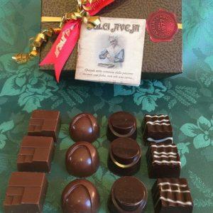 cioccolatini-ripieni-misti-confenzione-ballotin-1-533x800