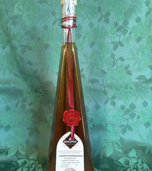 grappa-genziana-bottiglia-triangolare-50cl-1-533x800